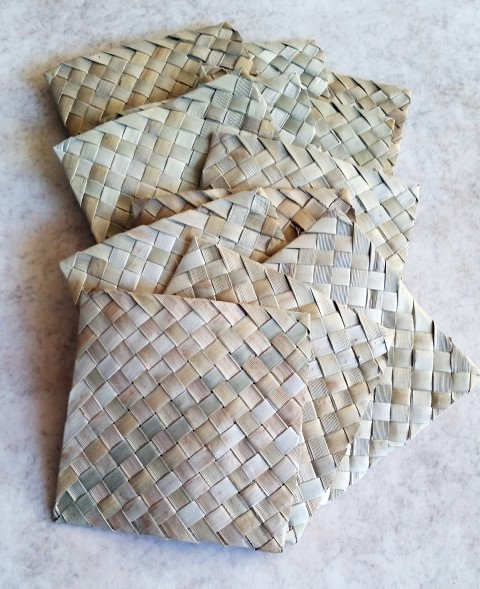 "4"" Square Palm Mat"